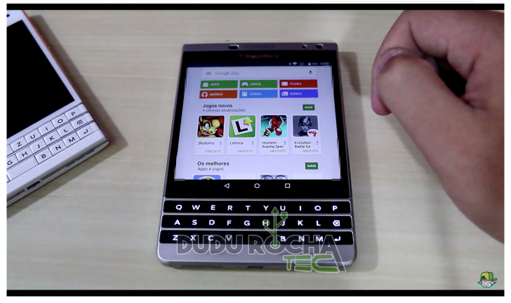 BlackBerry Passport con Android 5.0 Lollipop