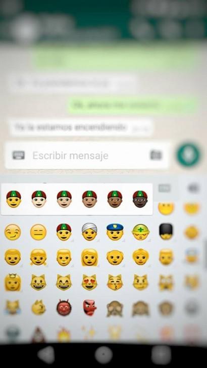 WhatsApp emojis raciales